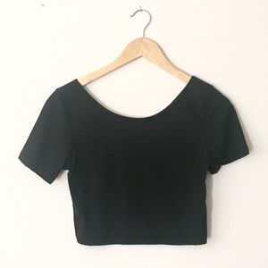 NOLLIE Black Crop Short Sleeve Top